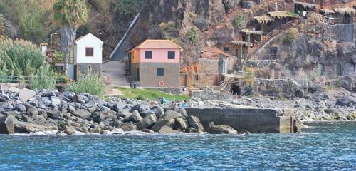 04-boat-trip-calhau-da-lapa-helloguidemadeira
